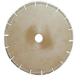 China Vacuum Brazed Diamond Concrete Cutting Blades Suitable For Bridge / Hand Saw supplier